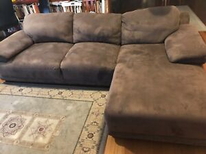 Brown L-shape Lounge/Couch Set