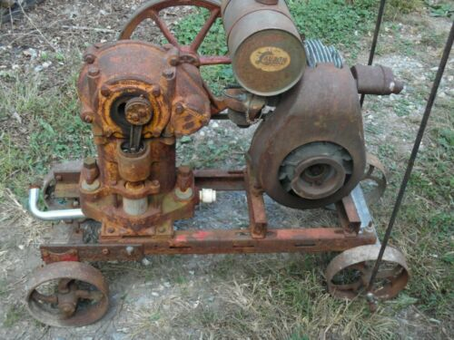 VINTAGE LAUSON  GAS ENGINE  / FARQUHAR  PISTON PUMP  OLD  MOTOR