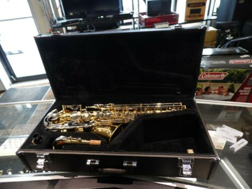 Yamaha YAS-26 Alto Saxophone - ABSOLUTELY MINT!!!