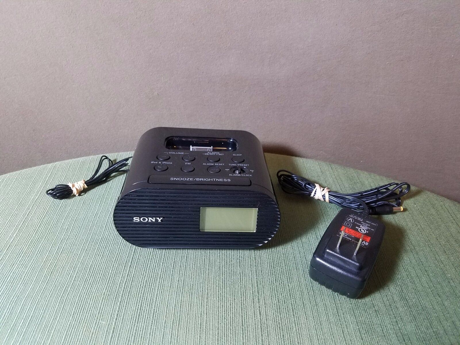 Sony FM iPod Dock Clock Radio