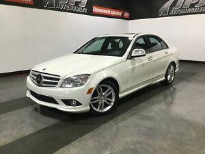Mercedes-Benz C300-4MATIC-CUIR-TOIT-
