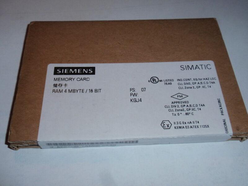 SIEMENS 6ES7 952-1AM00-0AA0 -NEW IN BOX- 6ES79521AM000AA0