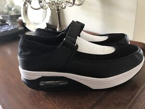 Woman's shoes Northfield Port Adelaide Area Preview