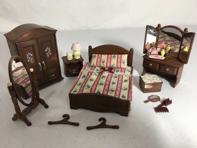 Calico critters/sylvanian families Parents Bedroom Furniture With Vanity