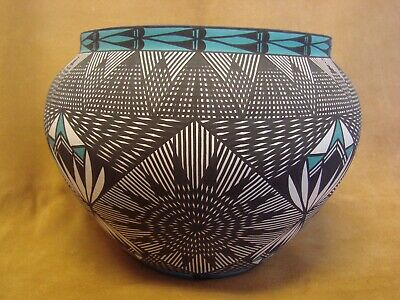 Acoma Pueblo Hand Painted Fine Line Polychrome Pot by Jay Vallo