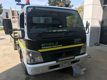 fuso canter truck with tray