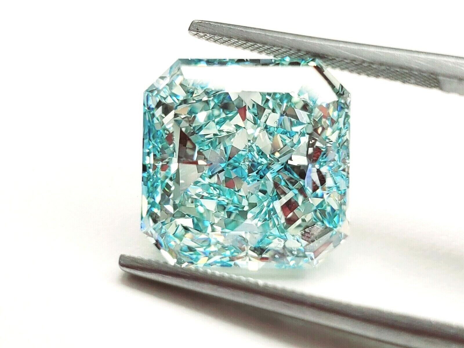 Huge Natural Diamond 11.06CT Fancy Intense Blue-Green Color VS2 GIA Certified