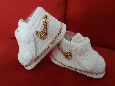 Babyschuhe / Turnschuhe gehäkelt ( Handarbeit)Gold, Weiss Neu !!! Baby Schuhe Turnschuhe