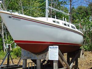 1978 27' Catalina Sailboat