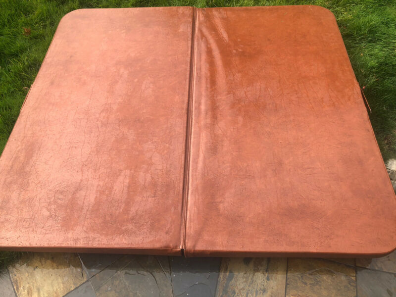 """Hot Tub Cover 68""""x75"""" Unbranded *Pick Up Only"""