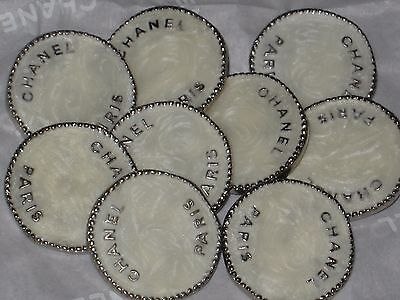 CHANEL  PARIS 9  GOLD  , WINTER WHITE  METAL BUTTON  20  MM NEW LOT 9