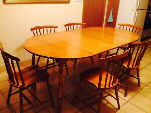 antique ROXTON dining table 'n chairs