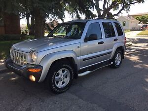 Nice little Jeep Liberty Columbia 4x4...only 169k