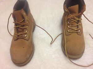 Boys size 2 Timberland work boots