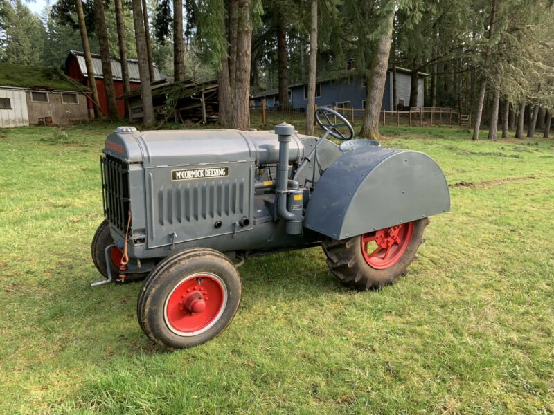 1924 McCormick-Deering 10-20 w/ rare orchard fenders - Beautiful Tractor!