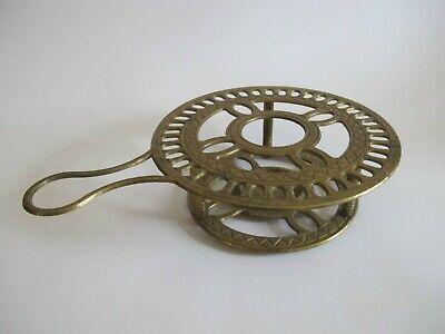 Älteres Messing Bronze Stövchen für Teelichtkerzen