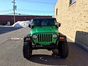 Jeep TJ RUBICON 2004 ** V6, 35 po, beaucoup de modifications! **