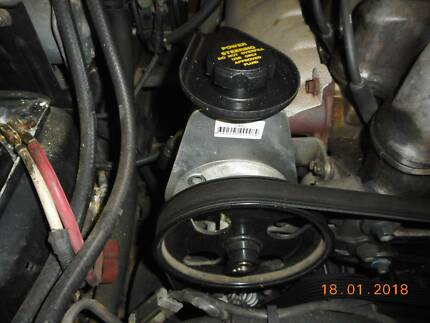 au ford  6cyl power steering pump