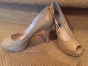 Michael Kors nude open toe shoes size 9 impeccable