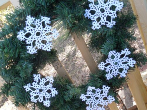 "DOVE COUNTRY Tatted Snowflakes White (24) Christmas 4 by 4"" Holiday Tatting"