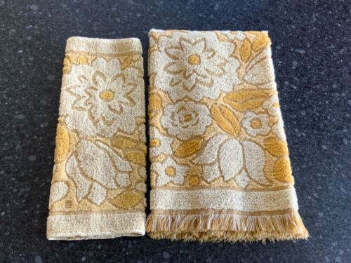 Vintage Callaway Sculpted Hand Towel and Washcloth ~ Yellow & Gold Roses