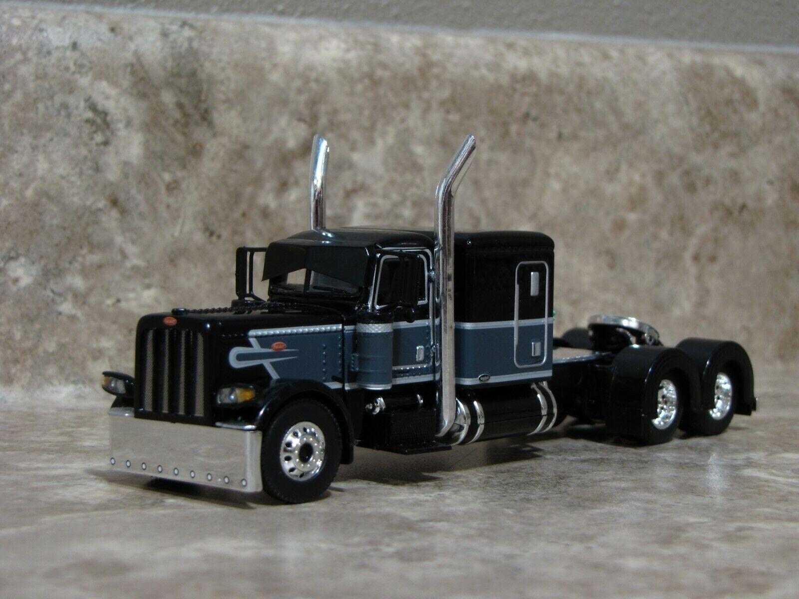 DCP 1/64 Black Gray Flattop Peterbilt 389 Semi Truck Farm Toy