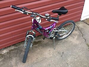 "18"" purple huffy bike"