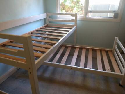 bunk bed (mattresses and linen NOT included)