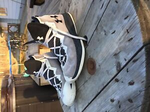 Used under armour basket ball shoes
