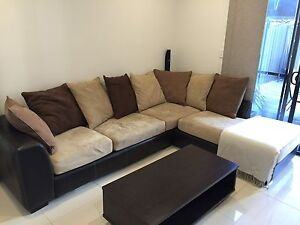 *****Chaise lounge suite***** Cheltenham Charles Sturt Area Preview