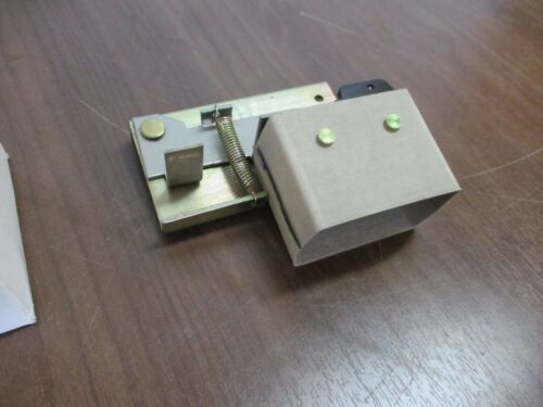 GE, Aux Contact Kit, THAUX66D, New Surplus