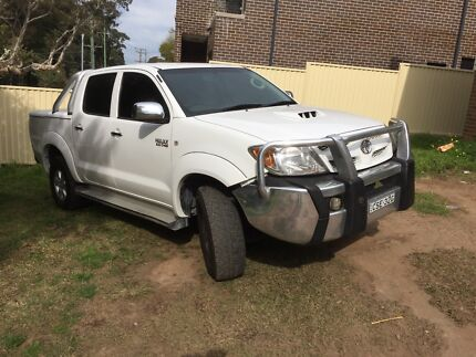 TOYOTA HILUX SR5 Dual Cab turbo diesel  Carlingford The Hills District Preview