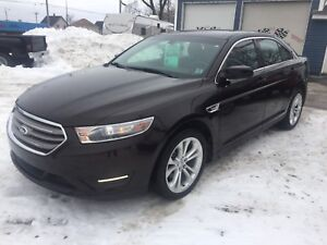 2013 FORD TAURUS FULLY LOADED LOW KMS!