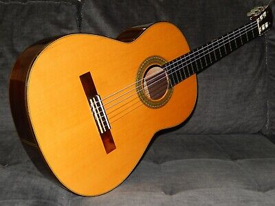 MADE IN 1979 - TATSUHIKO HIROSE 10 - HEAVENLY SOUNDING CLASSICAL CONCERT GUITAR