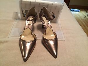 Michael kors Leather pointed front strappy hold shoes size 9.5