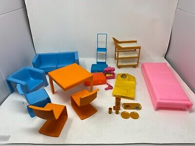 VTG 1973 Mattel Barbie's Townhouse Furniture Table/Chairs/couch/bed Orange Blue