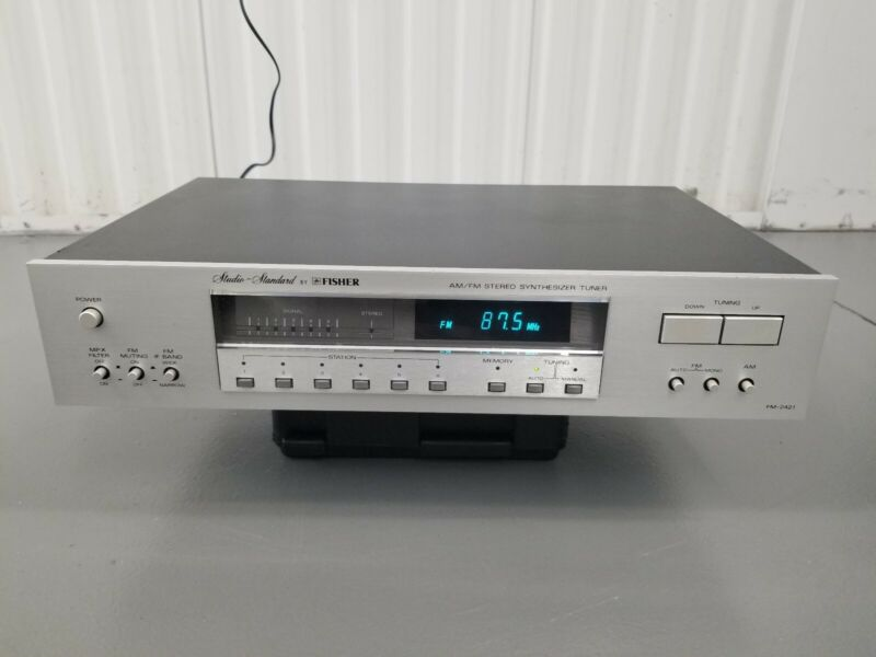 Vintage Studio Standard Fisher AM/FM Stereo Synthesizer Tuner FM-2421 Silverface