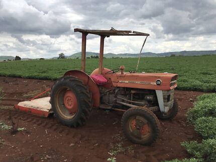 135 Massey Ferguson tractor and slasher  Coalstoun Lakes North Burnett Area Preview