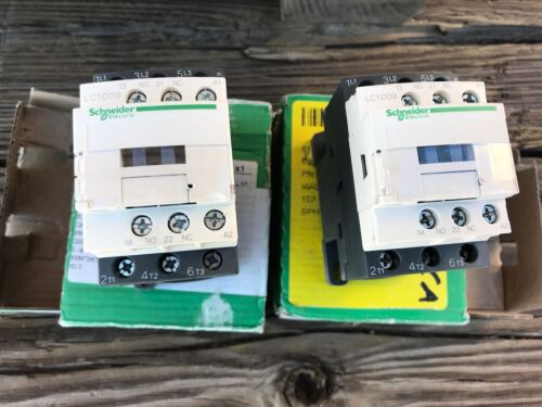 LOT OF 2 NEW SCHNEIDER ELECTRIC CONTACTORS LC1D09