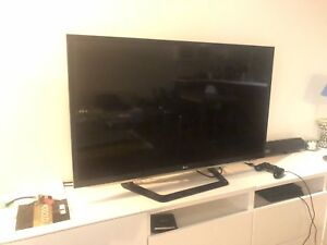 "LG 47LM5850 47"" Cinema 3D 1080p LED HDTV"