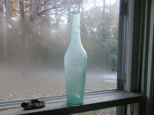 EARLY DIP MOLD BLOWN AQUA FOOD BOTTLE DUG IN 1830s PRIVY CRUDE LIP LAYED ON RING
