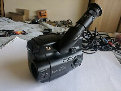 Sony CCD-TR350E analogue camcorder, video 8, 8mm, handycam, bag, cables, extras