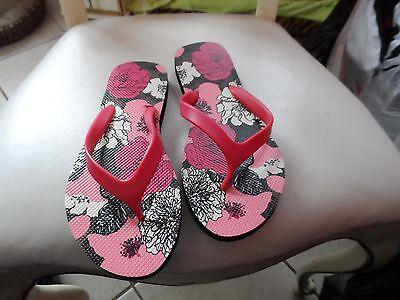 Vera Bradley flip flops size Medium in Mocha Rouge NWOT