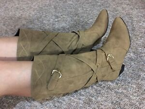 Brand New Woman Mid Boots