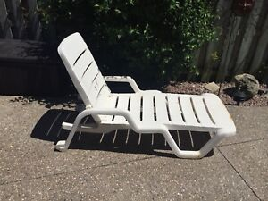 Reclining chair with a pillow