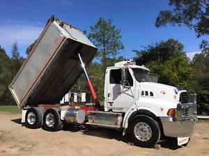 2002 Sterling Tipper & 2008 Maxitrans HXW Dog Trailer