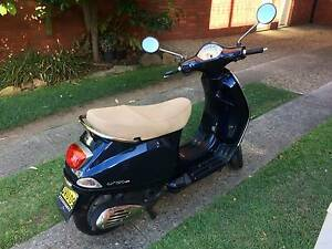 Much loved 2010 Vespa LX150 ie Model PSI M68 with LOW Mileage Cremorne North Sydney Area Preview