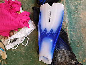 Size large snorkel set. Please check out my other adds thanks Westmead Parramatta Area Preview