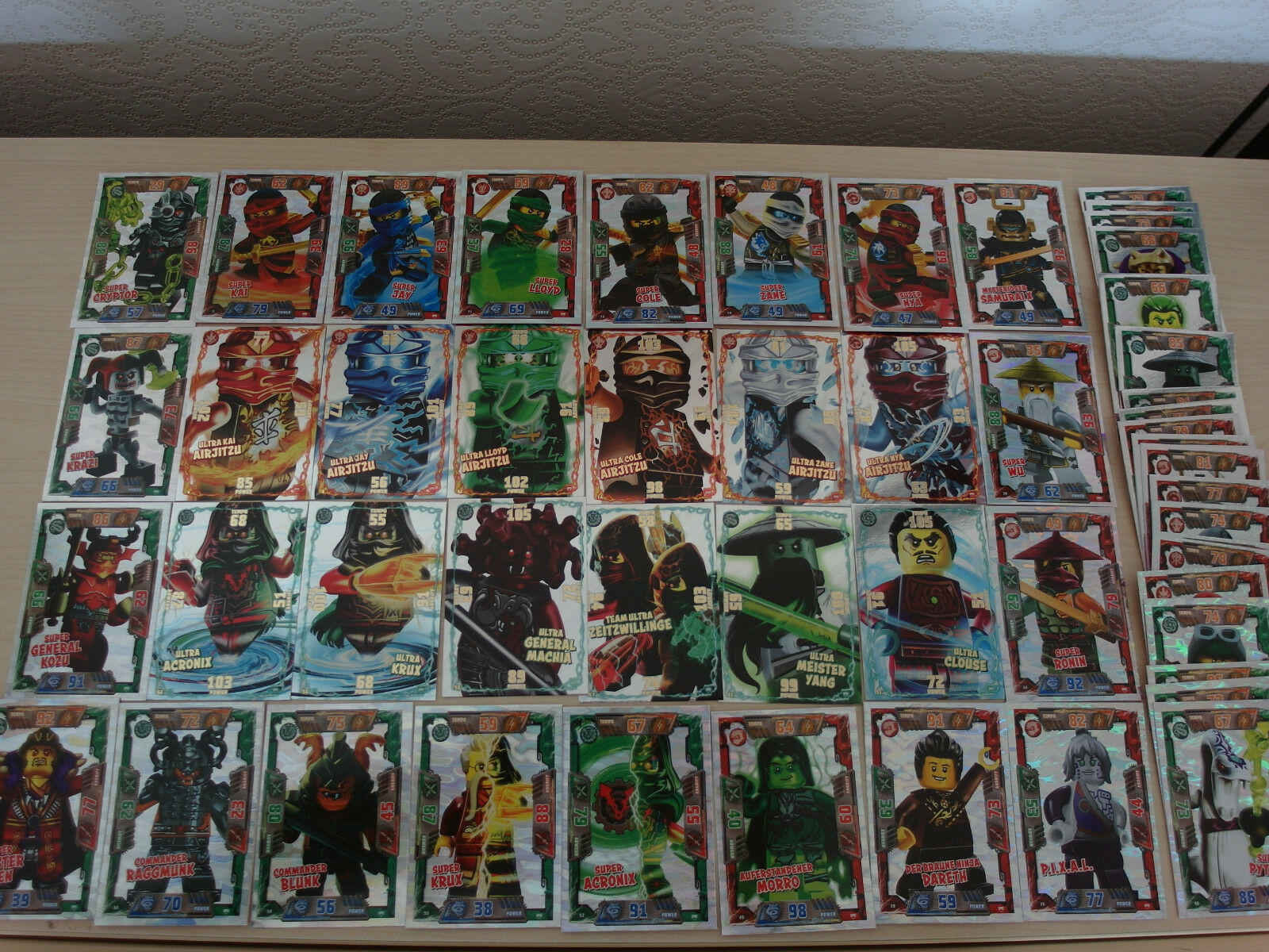 Lego Ninjago Serie 2 Ultra, Mega, Spezial, limitierte, Glitzer Karten aussuchen