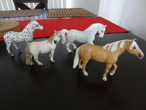 4 Schleich horses